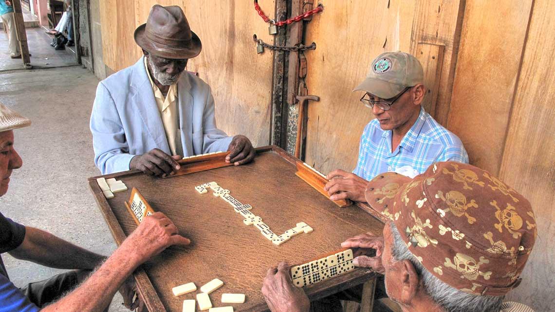 Conoce a los Cubanos y ayúdalos siendo turista