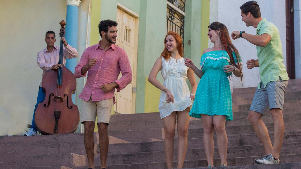 Bailar salsa en Cuba