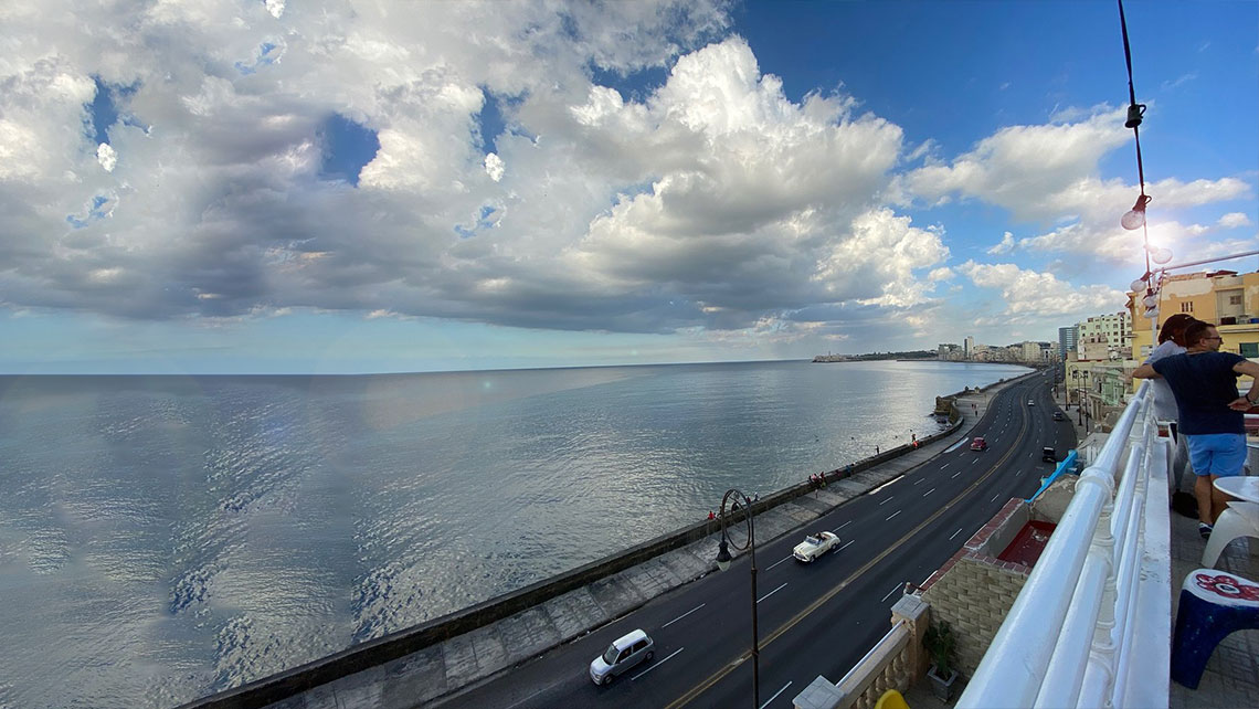 Hermosa vista del Malecon habanero