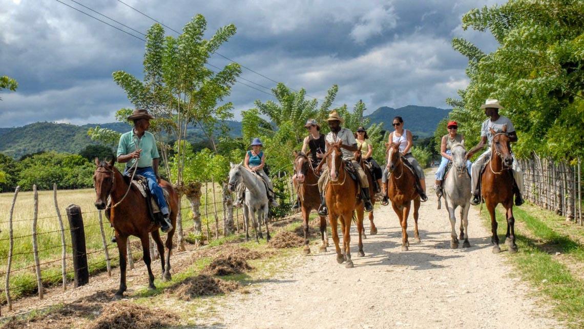 Excursión a caballo en Cuba