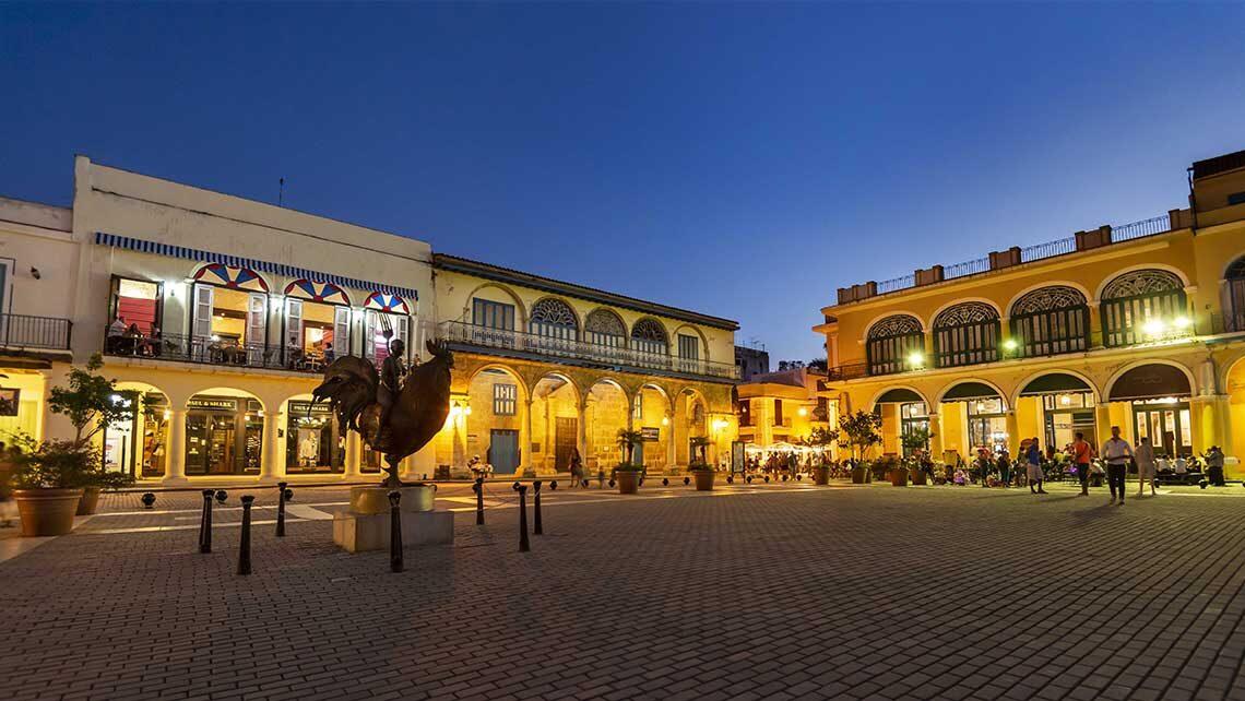 Plaza Vieja de noche